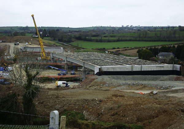 Viaducts bypass Newry on new A1 link road