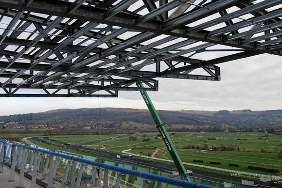 The grandstand is situated on the brow of a hill and offers views over the entire racecourse