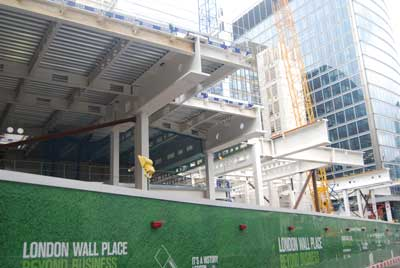 1 London Wall Place's cantilevers are up to 8m long