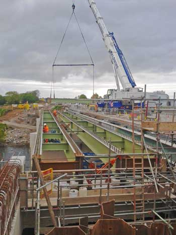 Agricola Underbridge is widened with new steel girders