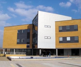 Energy Efficient Design of University Building