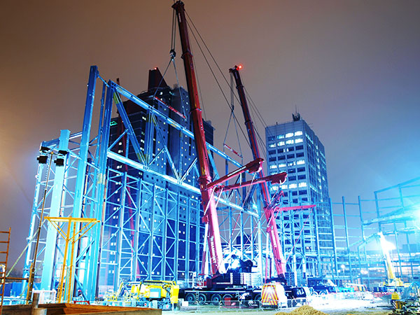 Tandem lift performs support act at new arena