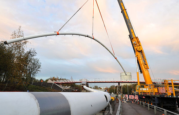 Steel tackles rugby stadium footbridge