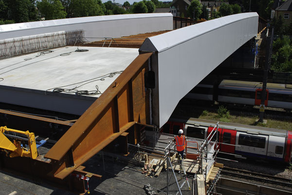Innovative bridge solution saves contractor five days