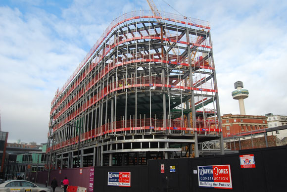 Steel accommodates new hotel