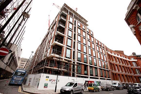 Steel creates modern office spaces
