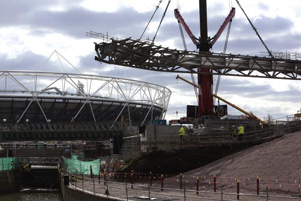 Central bridge takes shape