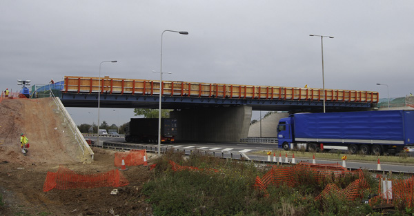 Eight steel bridges for new road to Bedford