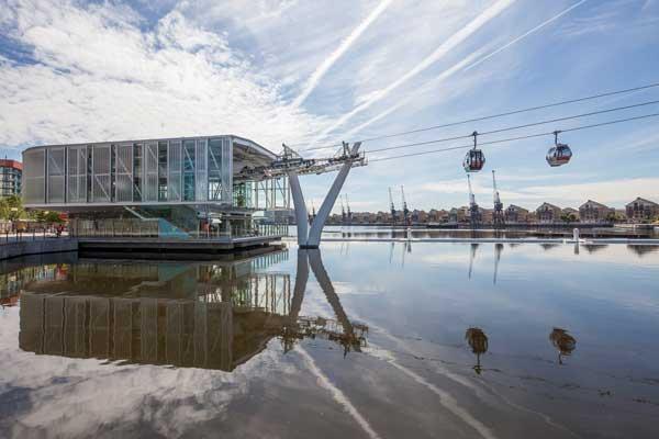 London cable car takes flight