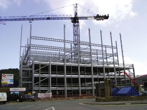 Contractor overcomes site constraints to build car park