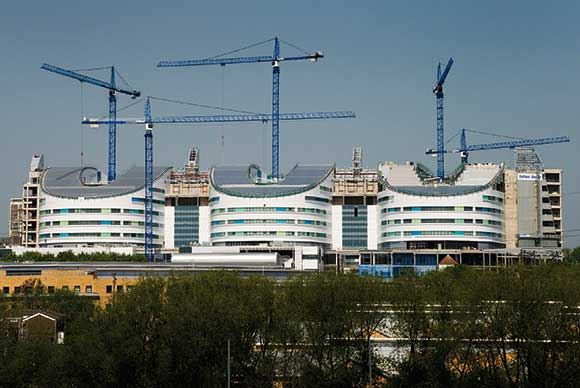New hospitals are super in steel