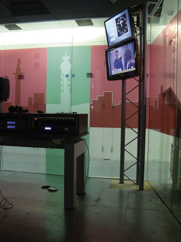 Lattice beams go on air in radio studios
