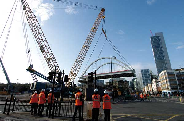 Bridge lift completed in one morning