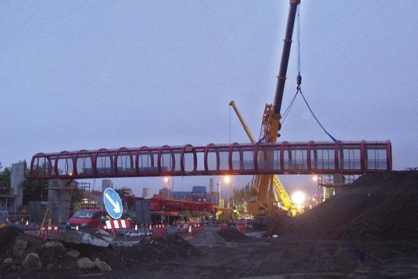 Steel footbridge for Belfast's Westlink