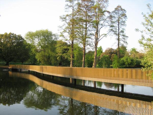 Innovative crossing for Kew Gardens