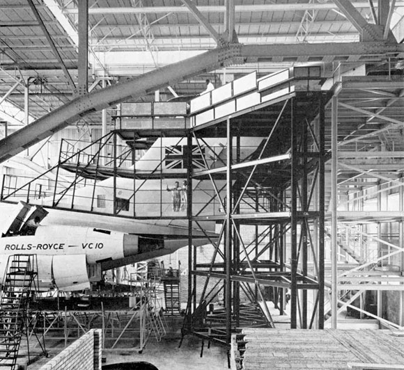 40 Years Ago: Special steel dock for aircraft tail