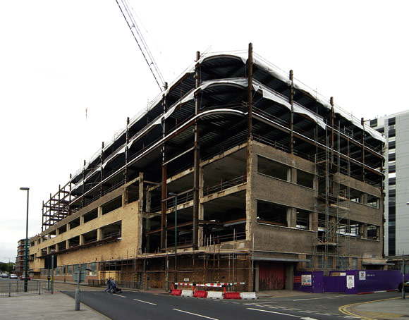 Steel delivers on post office site