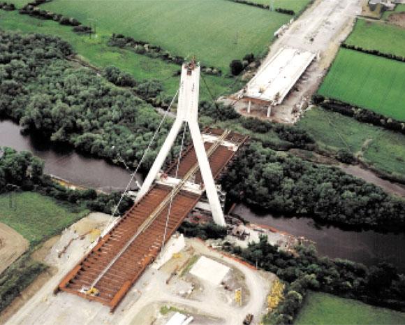 Construction of the Boyne Bridge