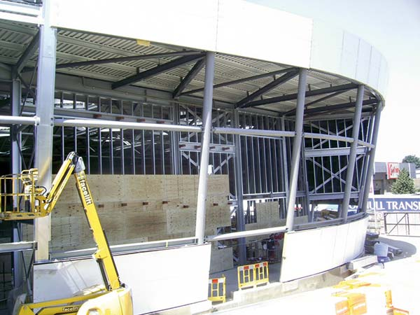 Galvanized steel keeps leisure centre on track
