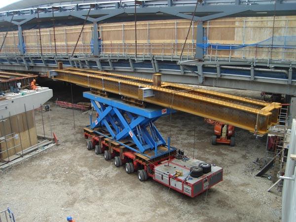 London Bridge stays on track with steel