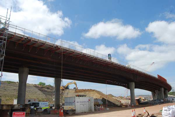 Steel bridges drive junction improvement scheme