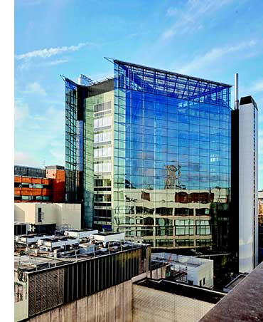 Recladding of St Thomas' Hospital East Wing completed