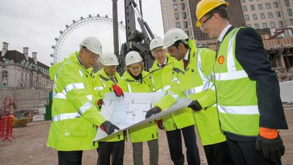 Steel tower starts at Shell Centre site