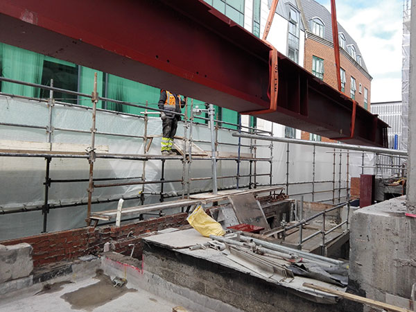 Big beams installed on confined Dublin site