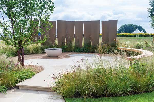 Steel bending secures garden show award