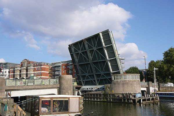 Bristol's Redcliffe Bridge set for renovation