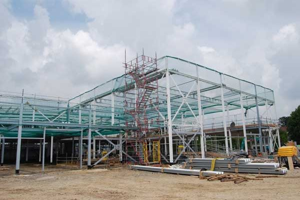 Steelwork contractor erects tenth leisure scheme for Dutch client